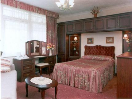 Surrey Hills Hotel